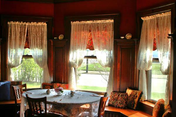 Crystal Tea Room2
